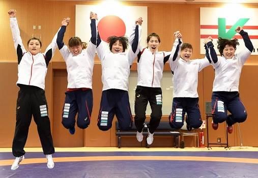 【リオオリンピック】レスリング女子日本代表が霊長類最強過ぎる!4階級制覇で金メダル量産